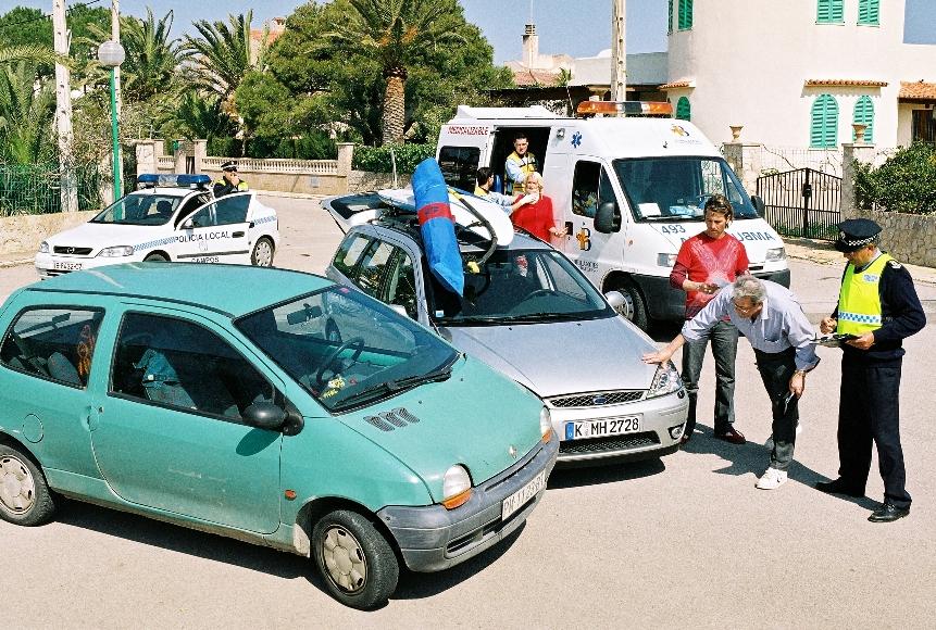 Service: Beim Unfall im Ausland hilft der Zentralruf