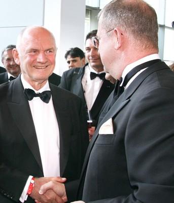 Warten auf den VW-Aufsichtsrat: Unklarheiten um Porsche-Beschlüsse