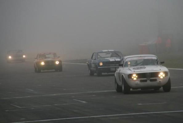 Avd-Oldtimer-Grand-Prix: Nebel und Sonnenschein auf dem Nürburgring