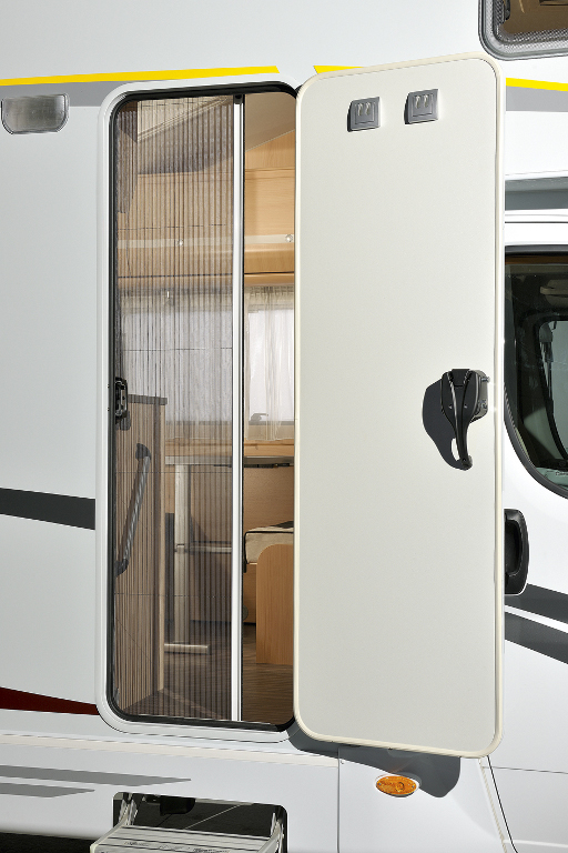 Caravan Salon Düsseldorf: Reisemobil für Männer: Weicheier müssen draußen bleiben | Sunlight Alkoven