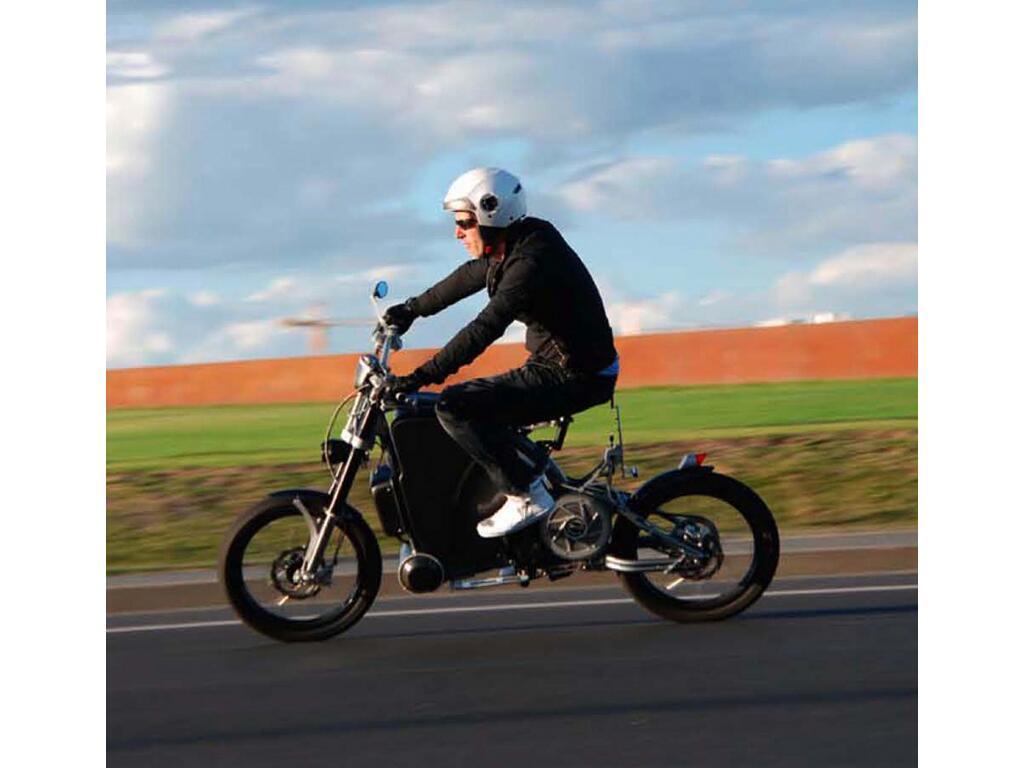 Erockit: Mensch-Maschine-Hybrid-Zweirad, handmade in Berlin - Bild(2)