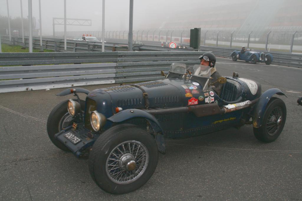 Fotoshow vom 37. Avd-Oldtimer-Grand-Prix auf dem Nürburgring - Bild(11)