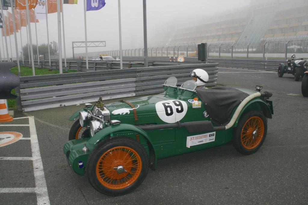 Fotoshow vom 37. Avd-Oldtimer-Grand-Prix auf dem Nürburgring - Bild(14)