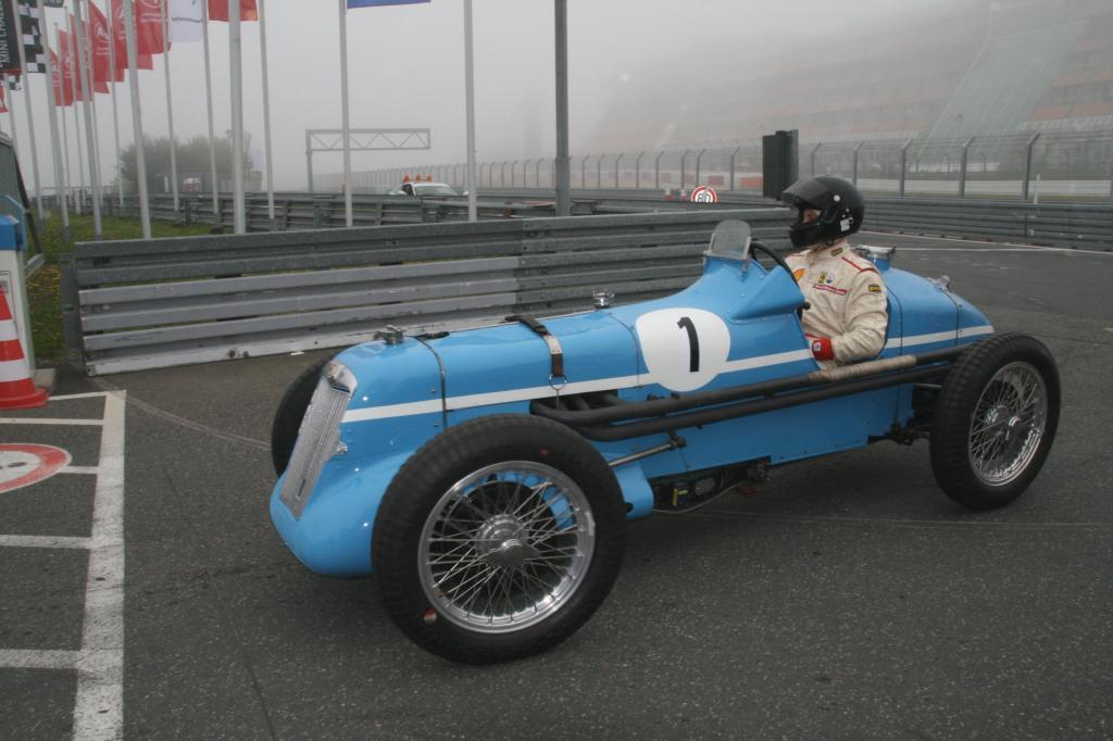 Fotoshow vom 37. Avd-Oldtimer-Grand-Prix auf dem Nürburgring - Bild(7)