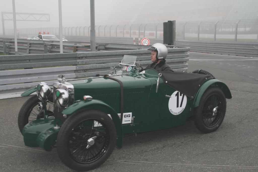 Fotoshow vom 37. Avd-Oldtimer-Grand-Prix auf dem Nürburgring - Bild(8)