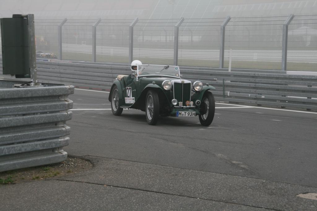 Fotoshow vom 37. Avd-Oldtimer-Grand-Prix auf dem Nürburgring - Bild