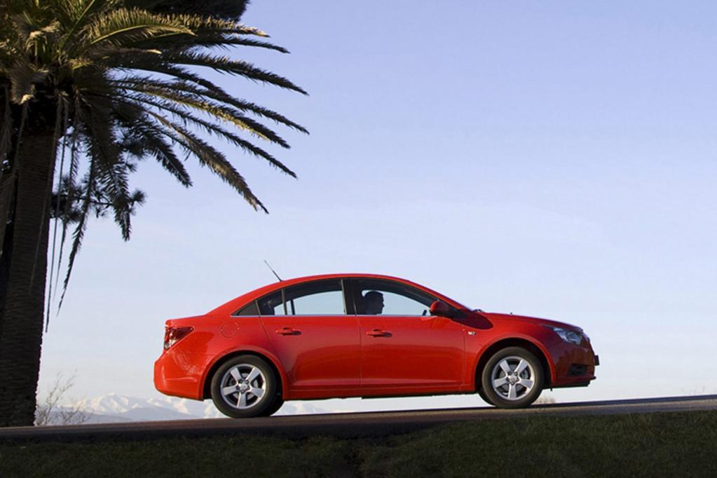 Gewinnspiel: Auf der IAA einen Chevrolet Cruze erküssen