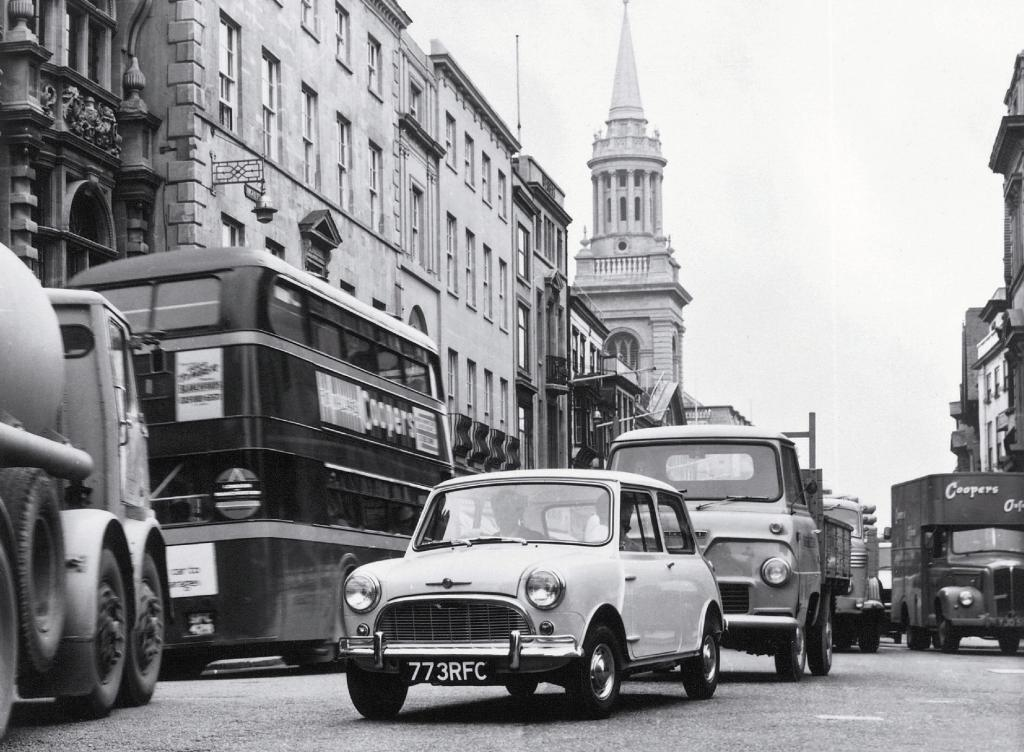 Mini: 50 Jahre Geschichte und viel Neues  - Bild