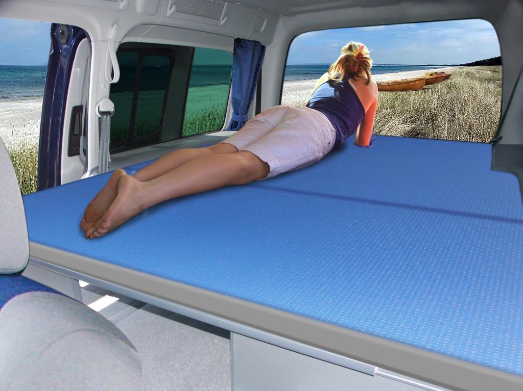 Reimo bietet Schlafausbau für den Volkwagen Caddy Maxi