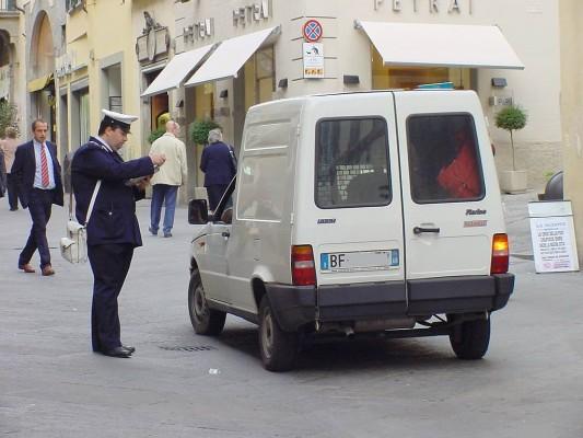 Service: Unliebsame Souvenirs aus dem Ausland - Bußgeldbescheide