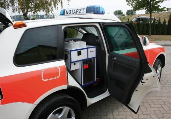 Volkswagen spendet Touareg als Notarzt-Einsatzfahrzeug