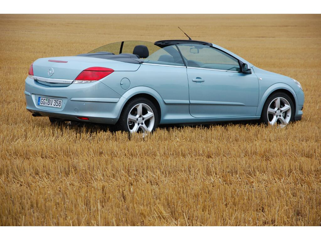 Astra: Erstkontakt Opel Astra TwinTop 1.6 Turbo Edition: Rüsselsheimer Sommerfreuden