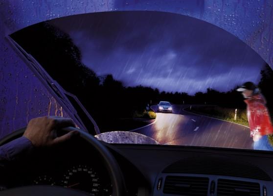 Beleuchtung an Autos ist häufig fehlerhaft
