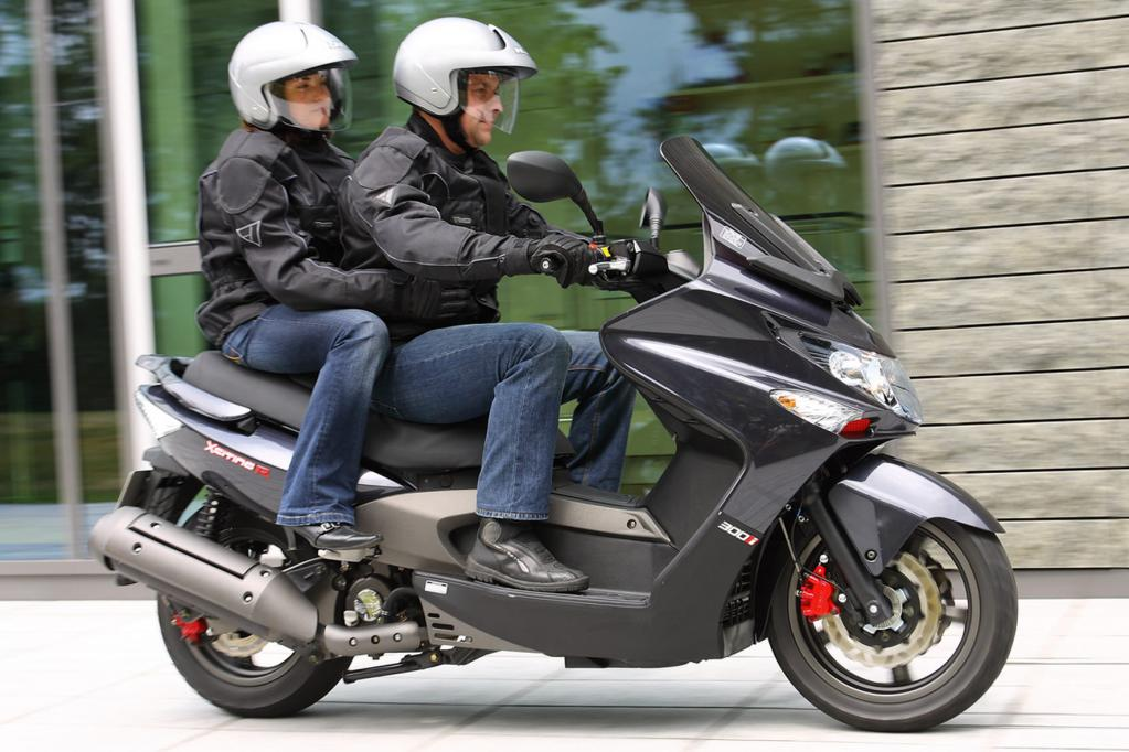Fahrbericht Kymco Xciting 500i R ABS: Sportlicher Roller zum günstigen Preis
