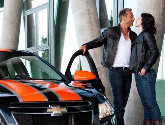 IAA 2009: Chevrolet fordert zum Cruze-Küssen auf