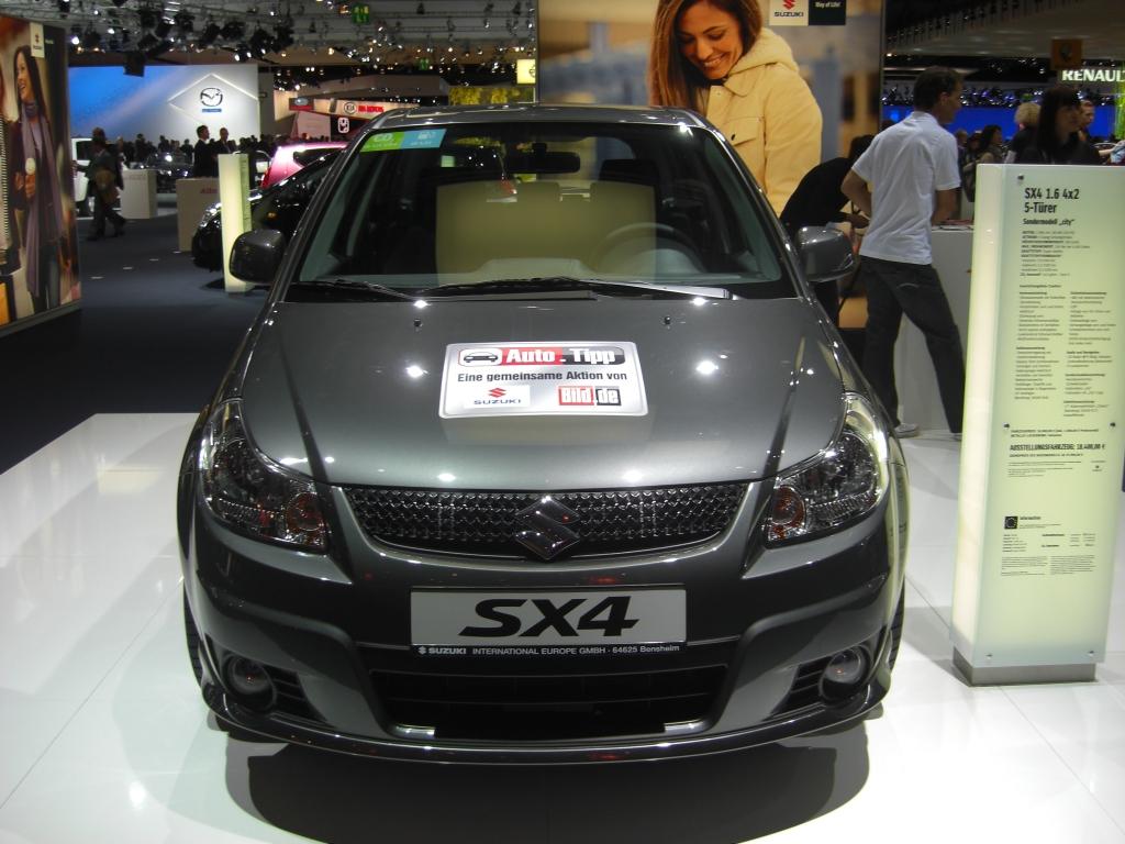 IAA 2009 Rundgang: Suzuki SX4 in Frankfurt