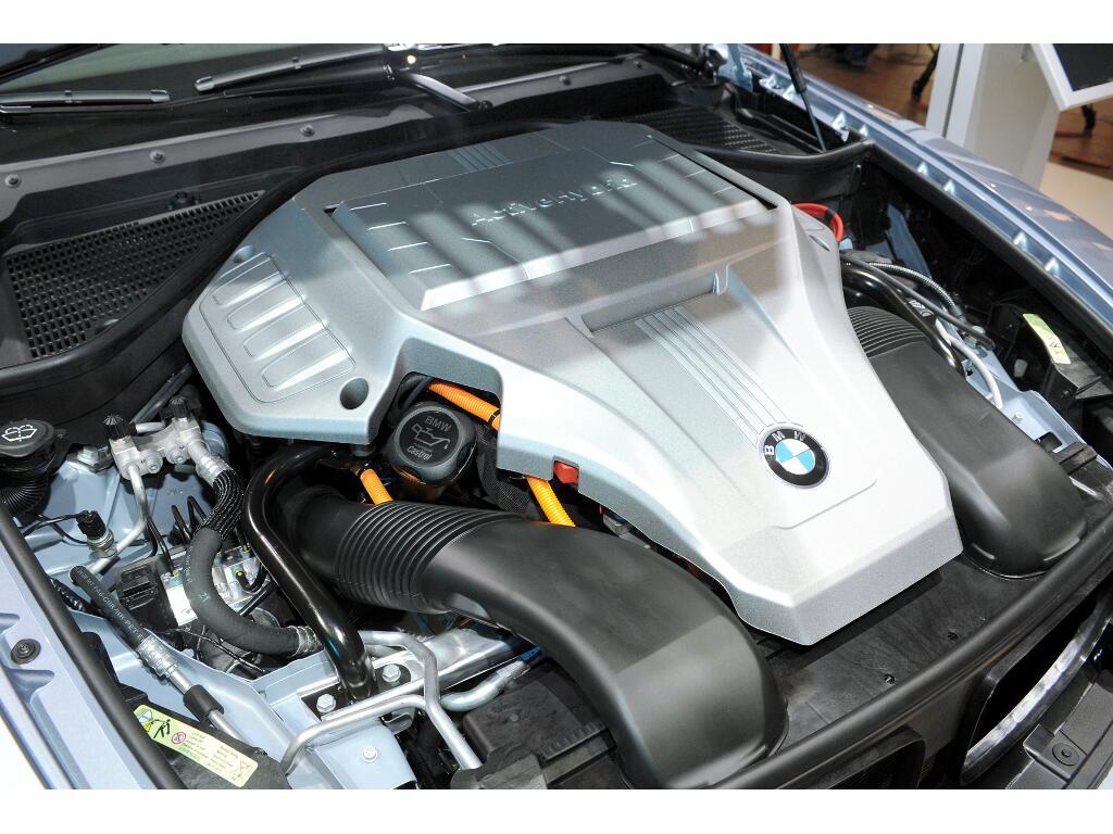 IAA Frankfurt: IAA 2009 Rundgang: BMW Activ-Hybrid 7 und Activ-Hybrid X6   Foto: UnitedPictures