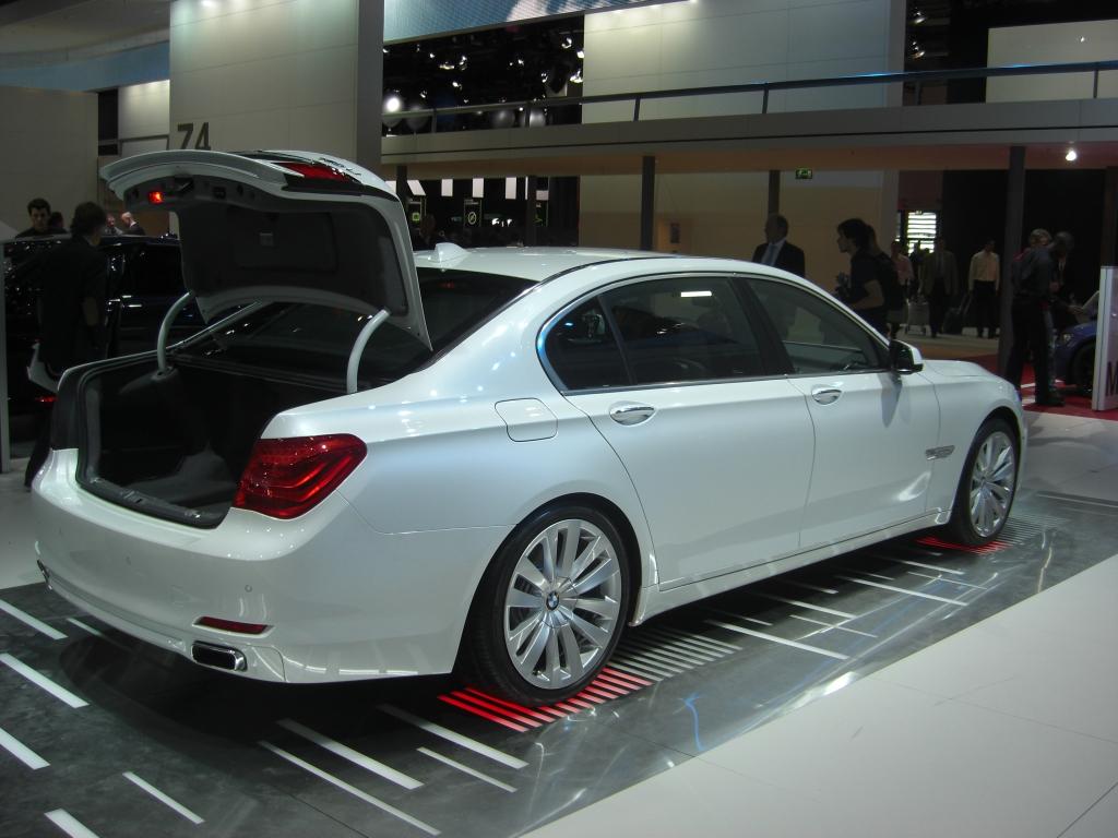 IAA Frankfurt: IAA 2009 Rundgang: BMW Activ-Hybrid 7 und Activ-Hybrid X6