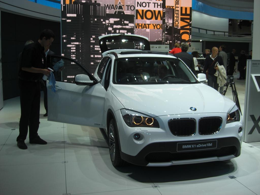 IAA Frankfurt: IAA 2009 Rundgang: BMW X1
