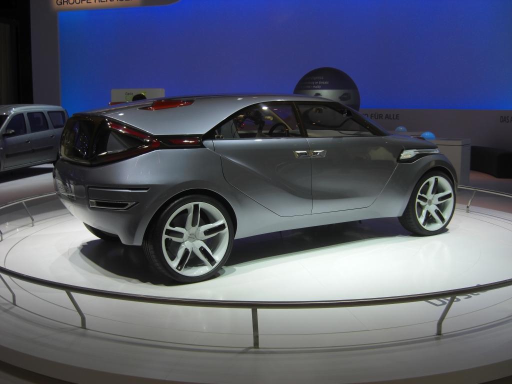 IAA Frankfurt: IAA 2009 Rundgang: Dacia Duster kommt 2010