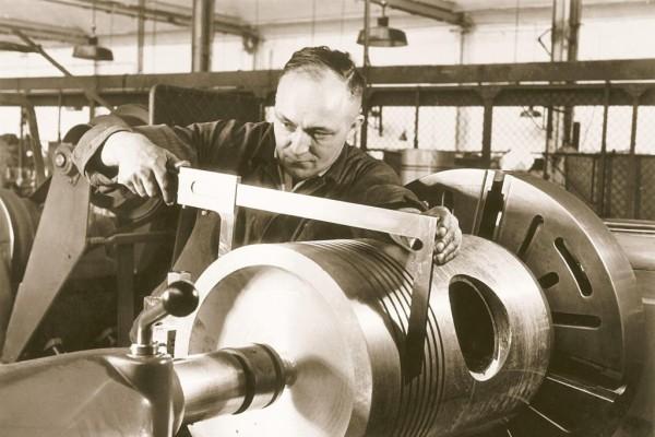 Kolbenschmidt Pierburg: 100 Jahre Automobilgeschichte