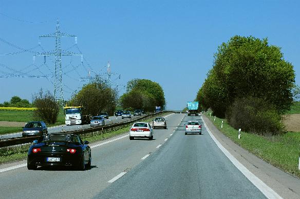 LED-Beleuchtung an Autobahnraststätten