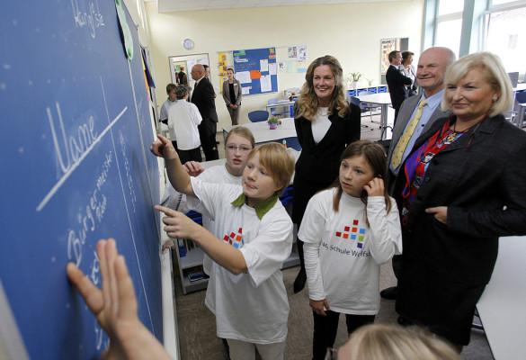 VW schenkt Wolfsburg eine Schule