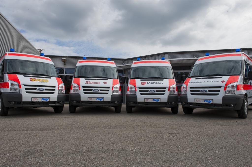 120 Ford Transit-Krankenwagen für das Bayerische Rote Kreuz