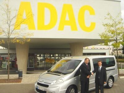 Citroën stellt dem ADAC 15 Transporter zur Verfügung