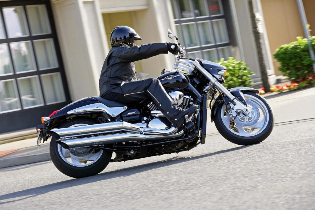 Fahrbericht Suzuki Intruder M 1500: Ein neuer Twin mit alten Werten - Bild 2