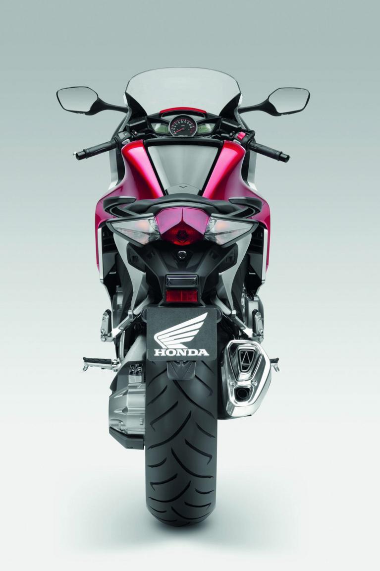Honda VFR 1200 F: Innovation aus Tradition  - Bild(2)