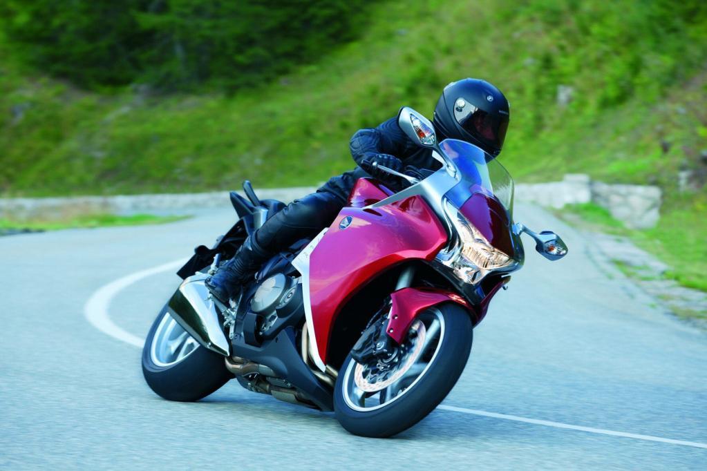 Honda VFR 1200 F: Innovation aus Tradition  - Bild(3)