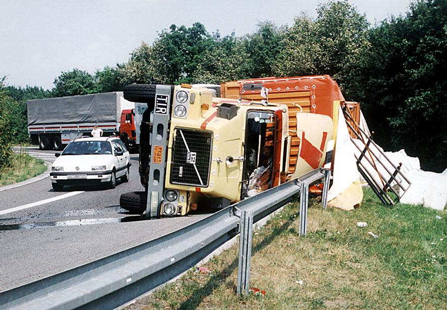 Jeder fünfte Lkw-Unfall wegen schlechter Ladungssicherung