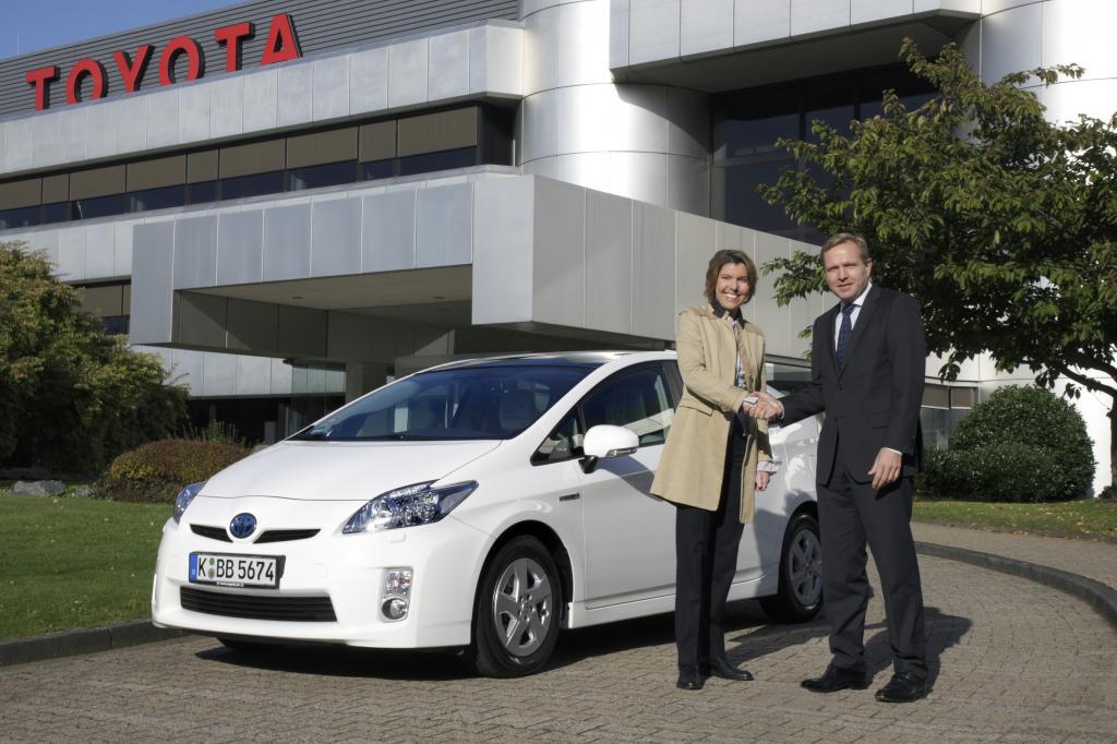 Kölner Treff: Bettina Böttinger und der neue Toyota Prius