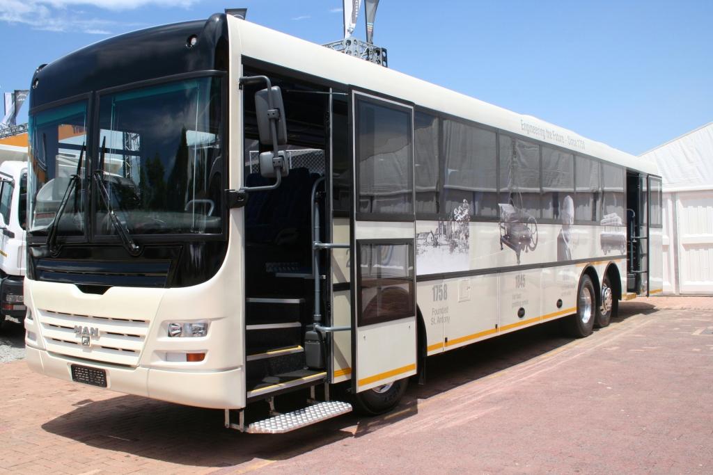 MAN-Busse für die Fussball-WM in Südafrika