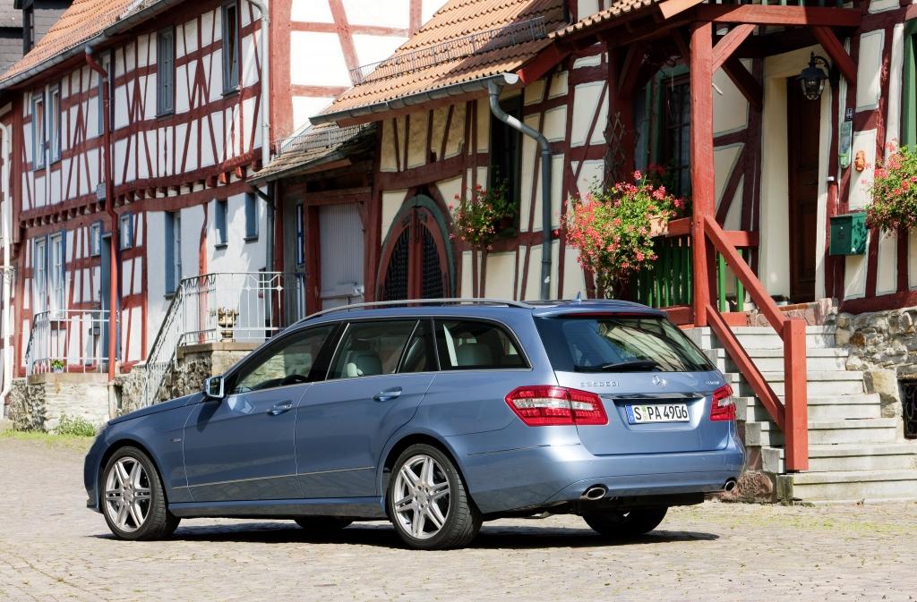 Mercedes E-Klasse T-Modell: Mit neuen und mit alten Tugenden  - Bild(14)