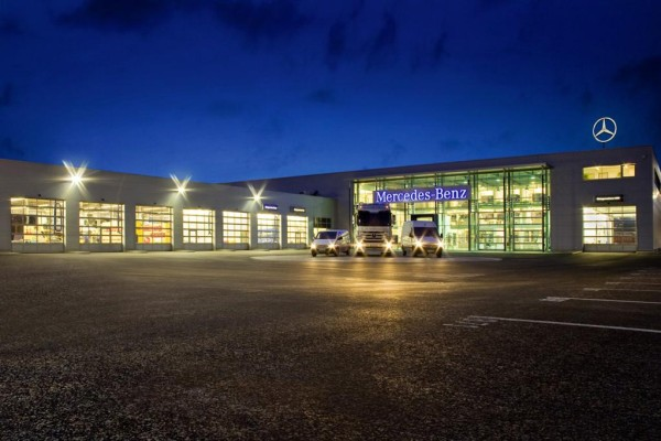 Neues Mercedes-Nutzfahrzeugzentrum in Berlin