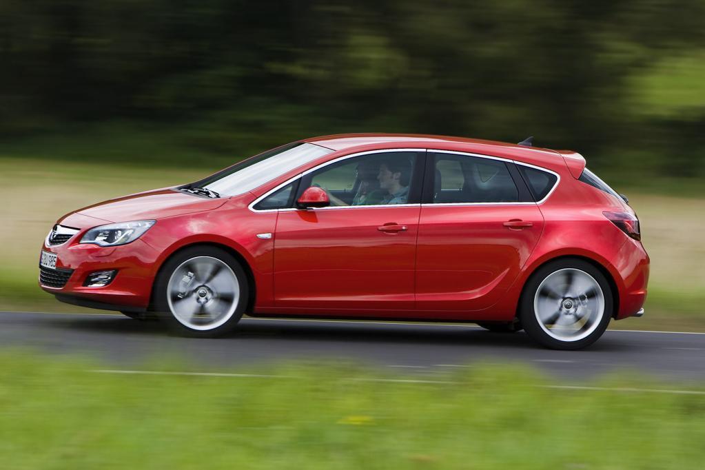 Opel Astra: Neuer Angriff auf den Golf - Bild(2)