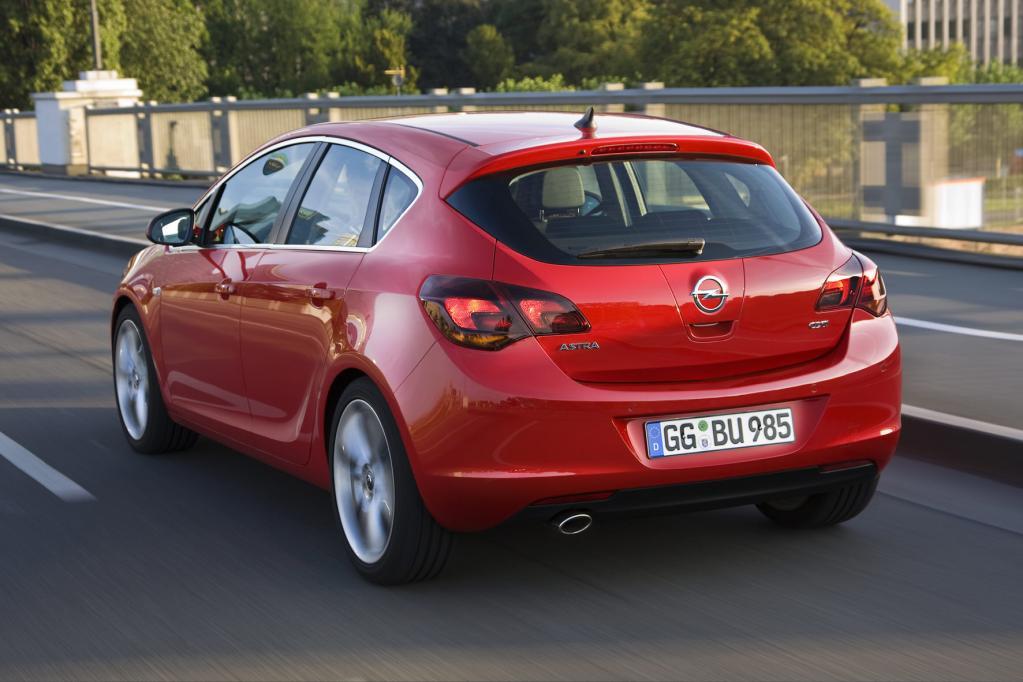 Opel Astra: Neuer Angriff auf den Golf - Bild(3)