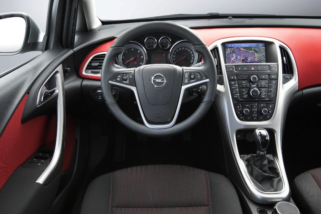 Opel Astra: Neuer Angriff auf den Golf - Bild(4)