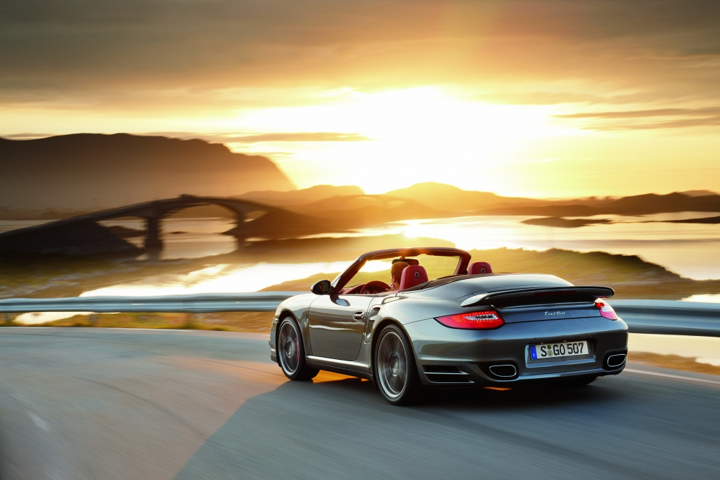 Porsche 911 Turbo: Kraftvoller denn je  - Bild (13)