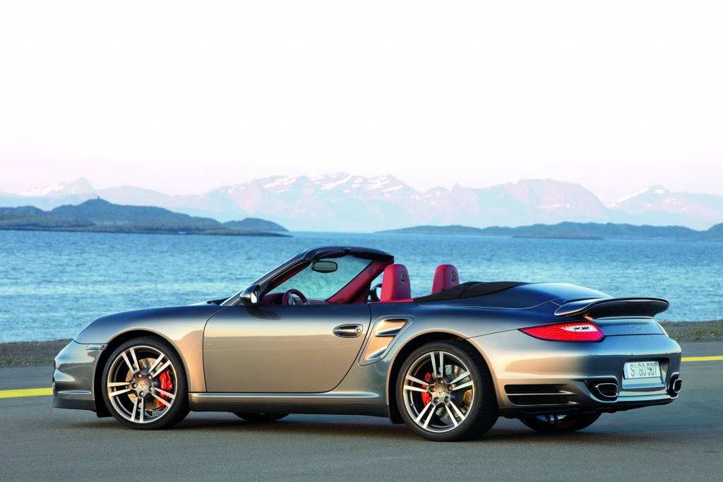 Porsche 911 Turbo: Kraftvoller denn je   - Bild (14)