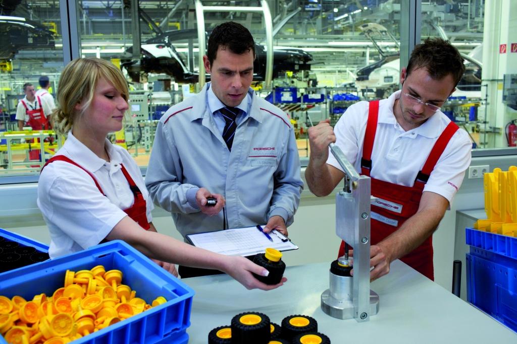 Porsche Akademie: Modellfarbik in Leipzig eröffnet