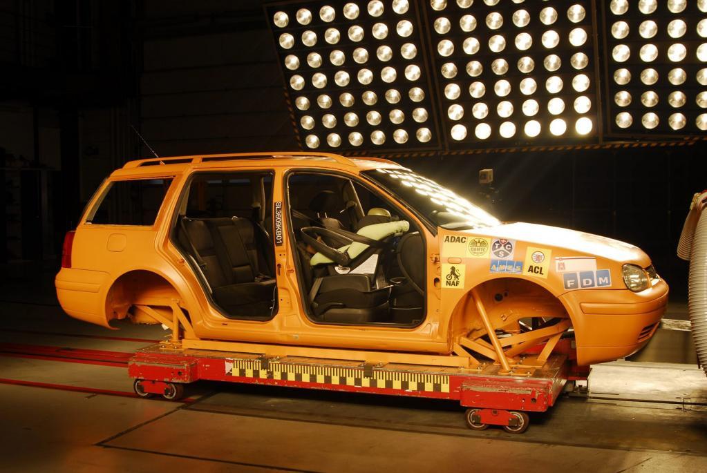 Test: Kindersitzsysteme auf dem Beifahrersitz  - Bild 1