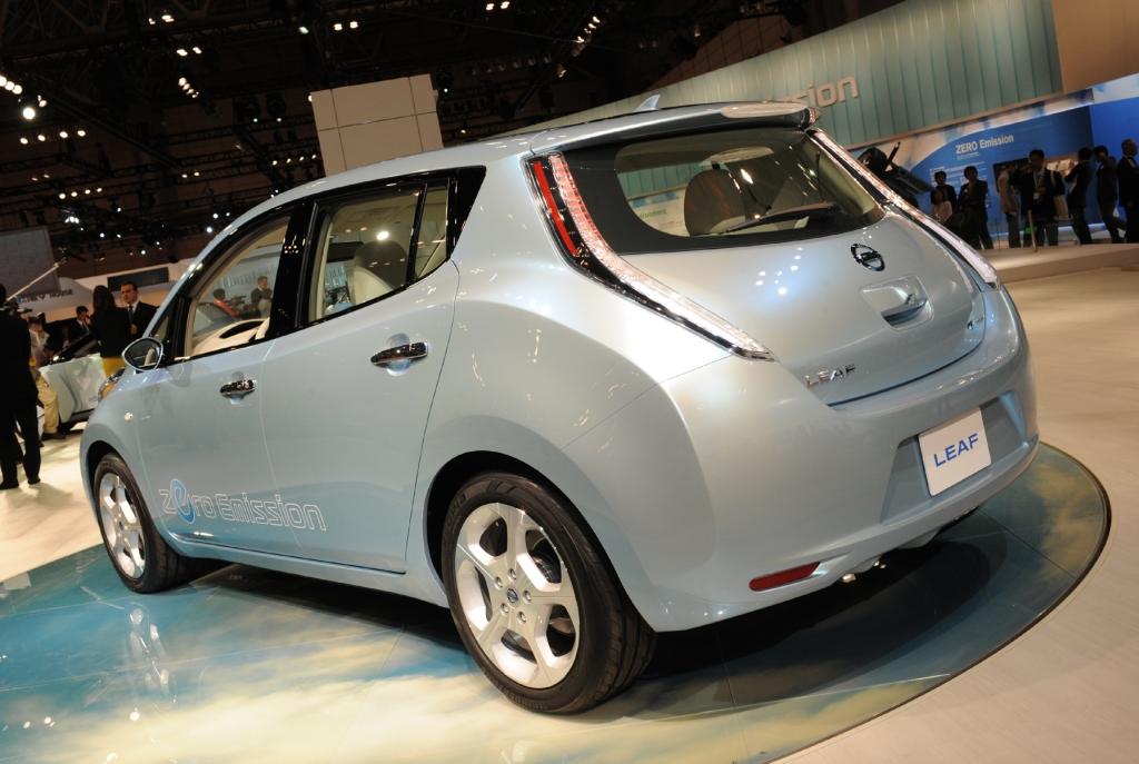 Tokio 2009: Nissan LEAF - Das erste kompakte Elektro-Serienfahrzeug der Welt