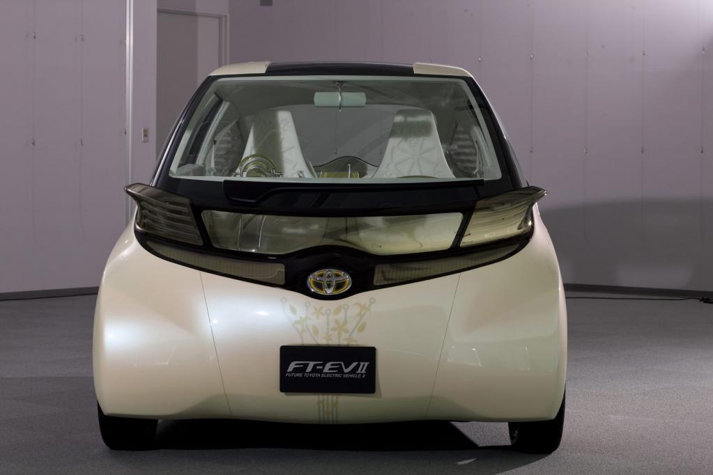 Toyota zeigt Elektroauto-Studie - Bild(2)