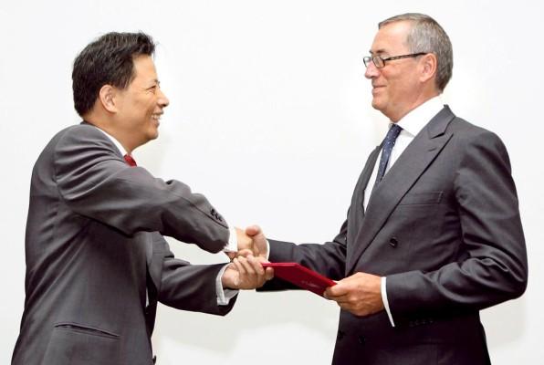 VW-Personalvorstand Neumann erhält Professorentitel