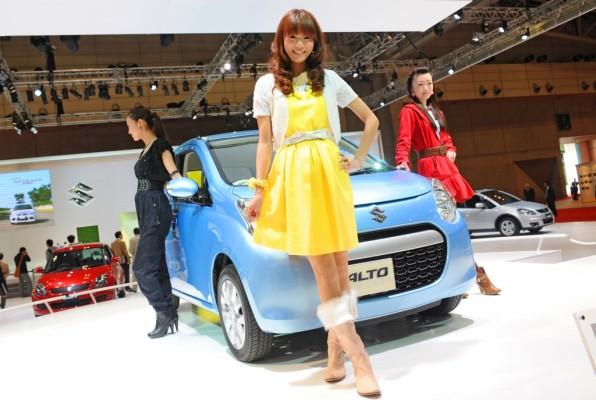 Video: Tokyo Motorshow 2009 - The Girls