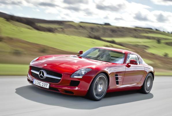"""""""Goldenes Lenkrad 2009"""": Mercedes-Benz' Flügeltürer bester Supersportler"""