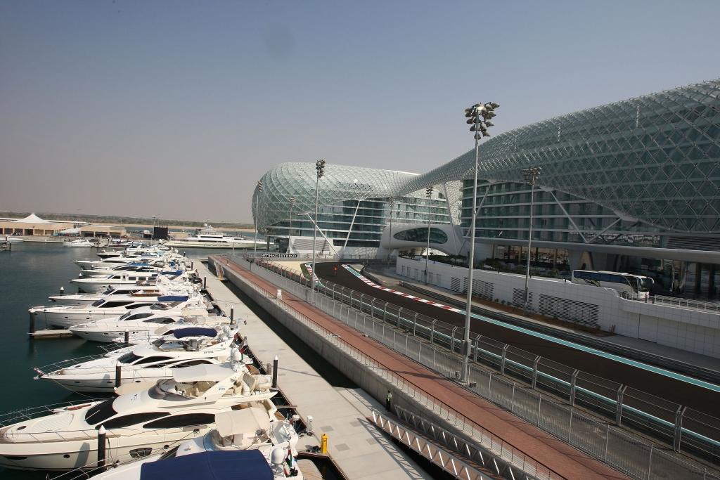 Abu Dhabi: Neue Rennstrecke der Superlative - Bild(2) - Bild(2)
